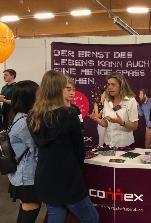 Beratung am Stand_Insidertreff Löbau 2019